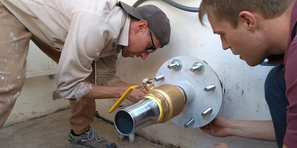 Trent Tresch, Sean Gellenbeck install a new inflation system for SAM at Biosphere 2